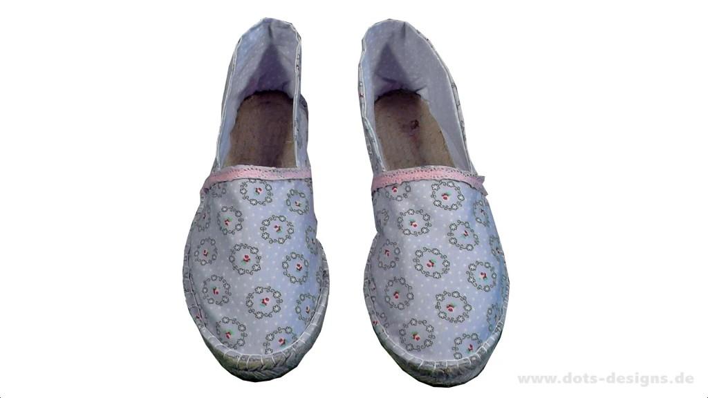Das gleiche mit dem zweiten Schuh