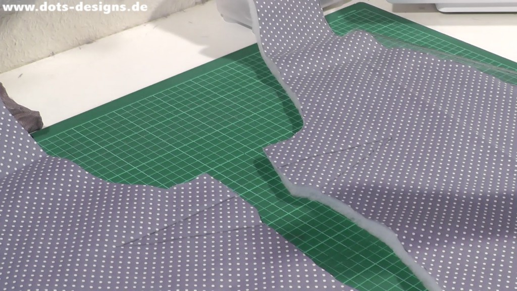 Taille auf Stoff und Kunstfell übertragen